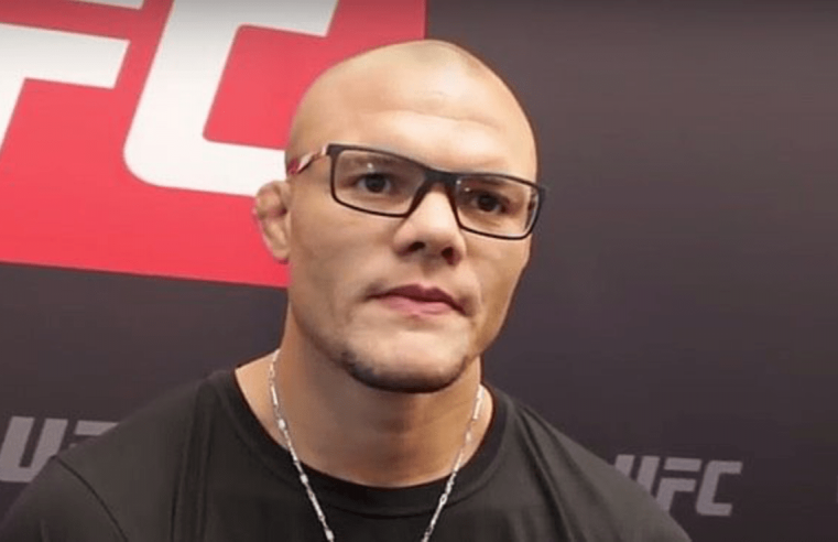 Anthony Smith Says He's In Talks To Fight Jon Jones