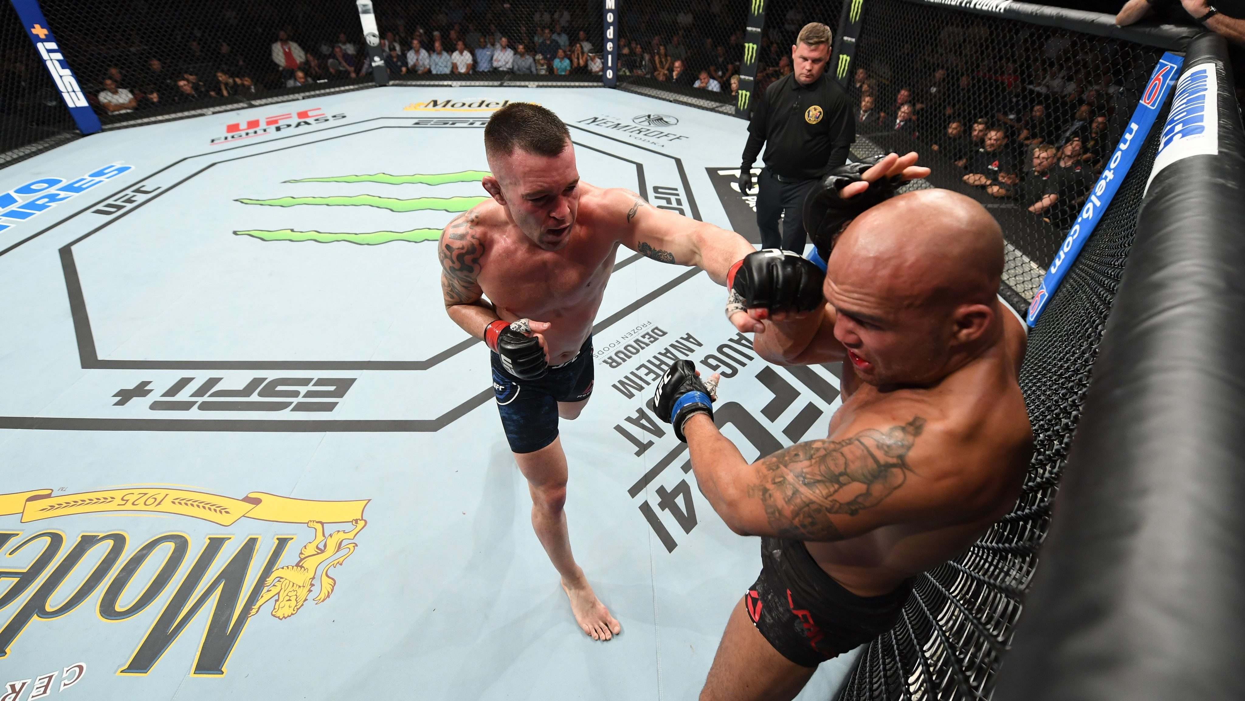 Colby Covington Beats Robbie Lawler – Twitter Reacts