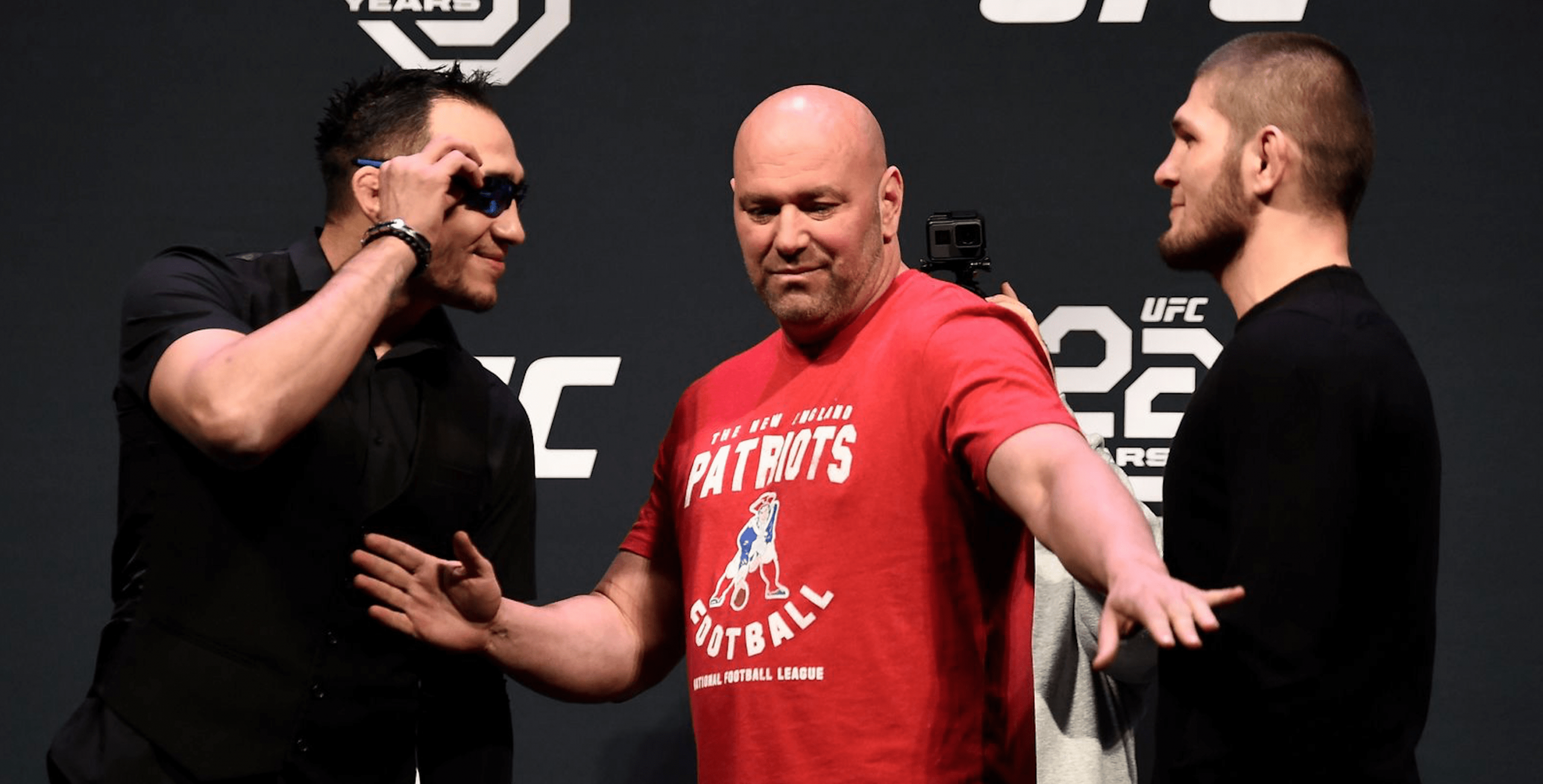 UFC: Tony Ferguson Signs Contract To Fight Khabib