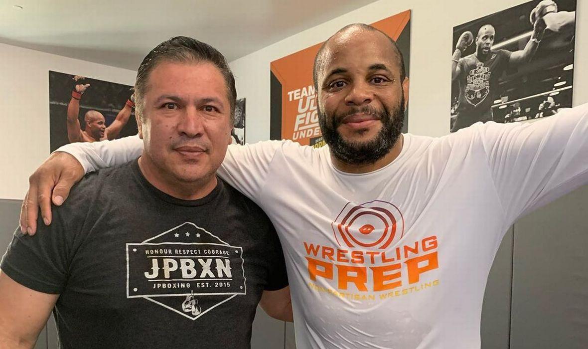 UFC – Coach Mendez: Daniel Cormier Needs To Stop Fighting